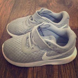 Toddler boys nike sneakers